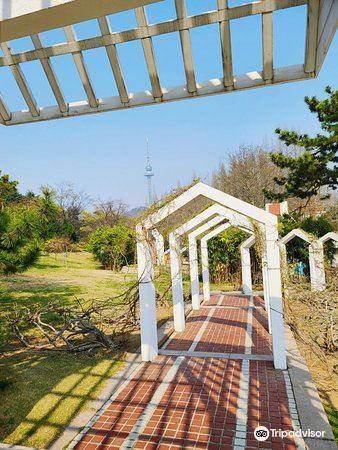 Jiangbian Park