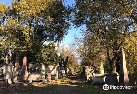 萬靈公墓( 肯薩爾綠野公墓)