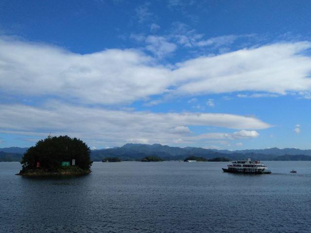 Deep Tour through Thousand Island Lake
