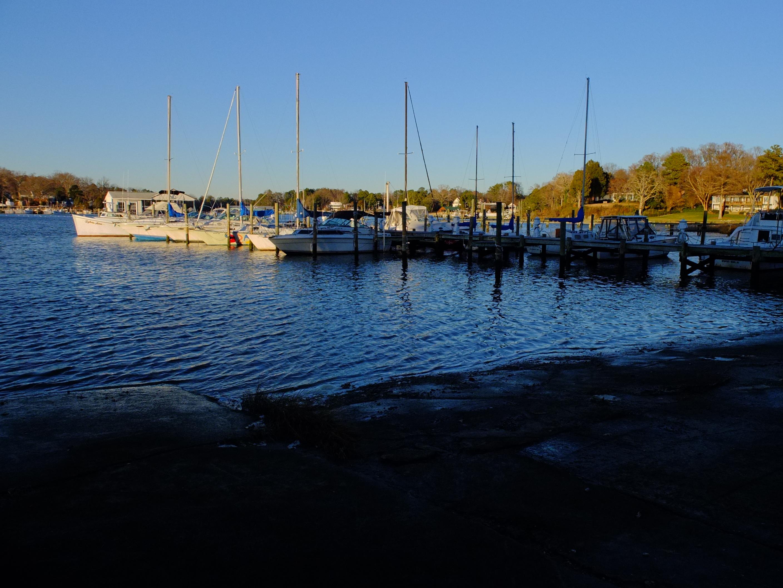 Inlet Marina