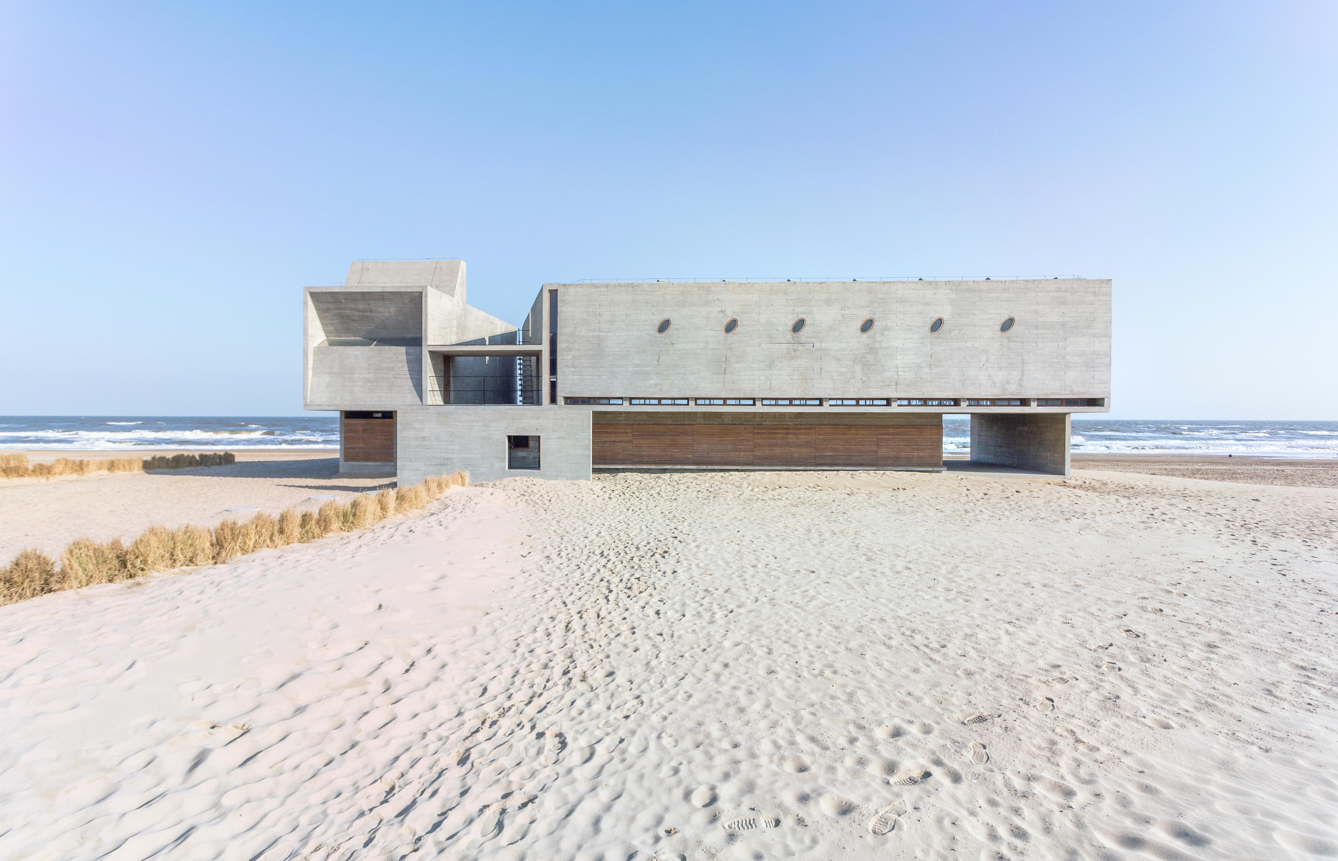 Sanlian Bookstore Seaside Public Welfare Library