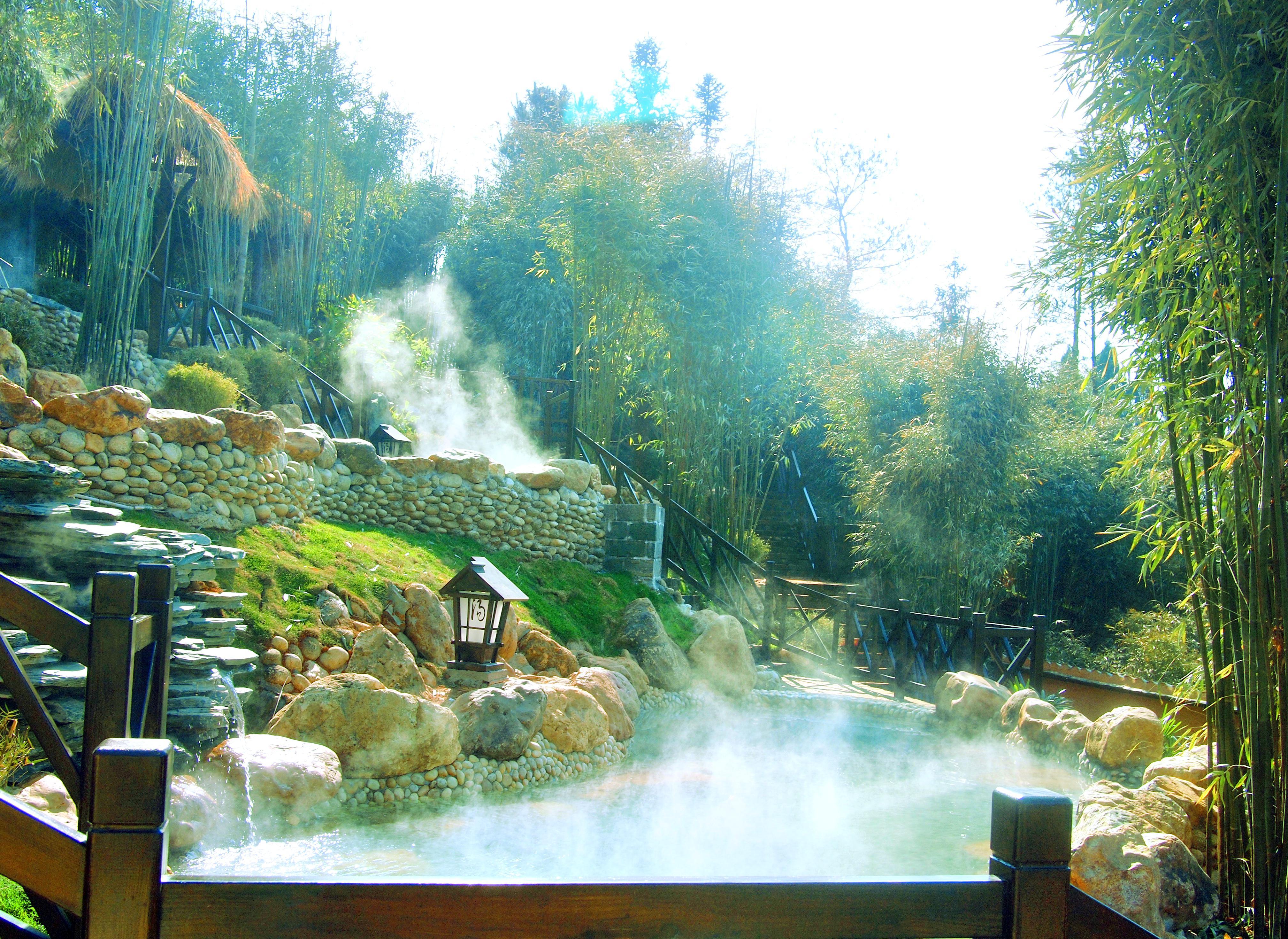 Chongyang Langkou Forest Hot Spring