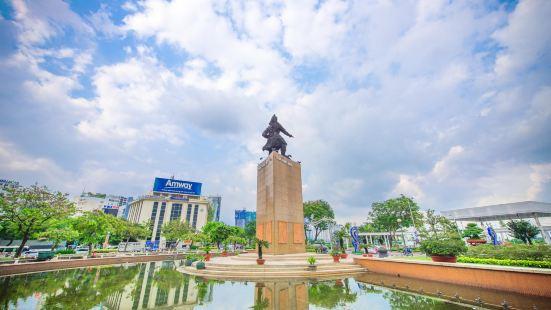 陳興道雕像