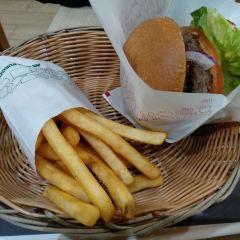 MOS Burger User Photo