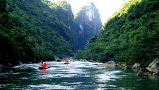 荔波水春河漂流