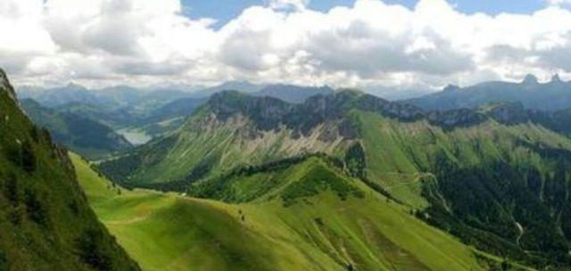 羅什德內山