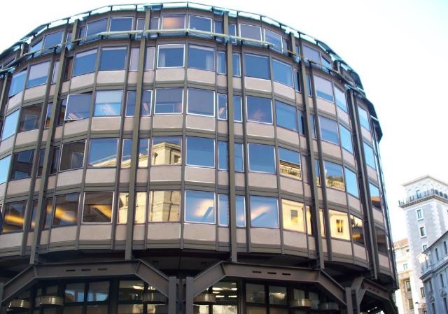 Edificio per uffici di Piazza Meda