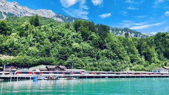 上帝的右眼-布里恩茨湖,布里恩茨镇依山傍湖,风景十分秀丽。布