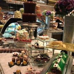 Le Buffet User Photo