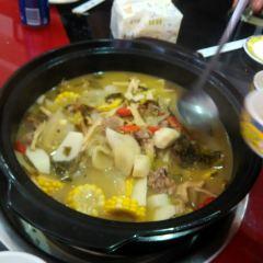 田村·酸菜筍子雞(德吉支路店)用戶圖片