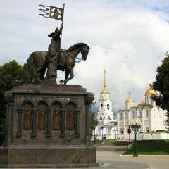 the monument of Vladimir Monomakh User Photo