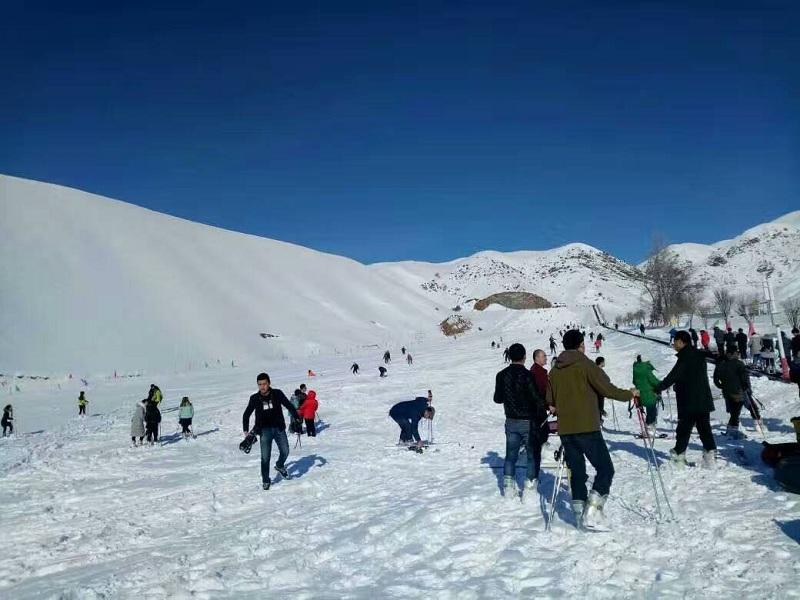 阿勒瑪滑雪場