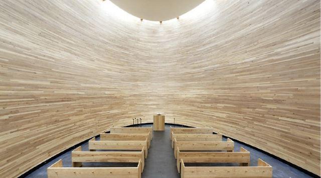 침묵의 캄피 교회