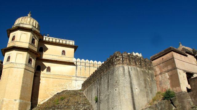 貢伯爾加爾古堡