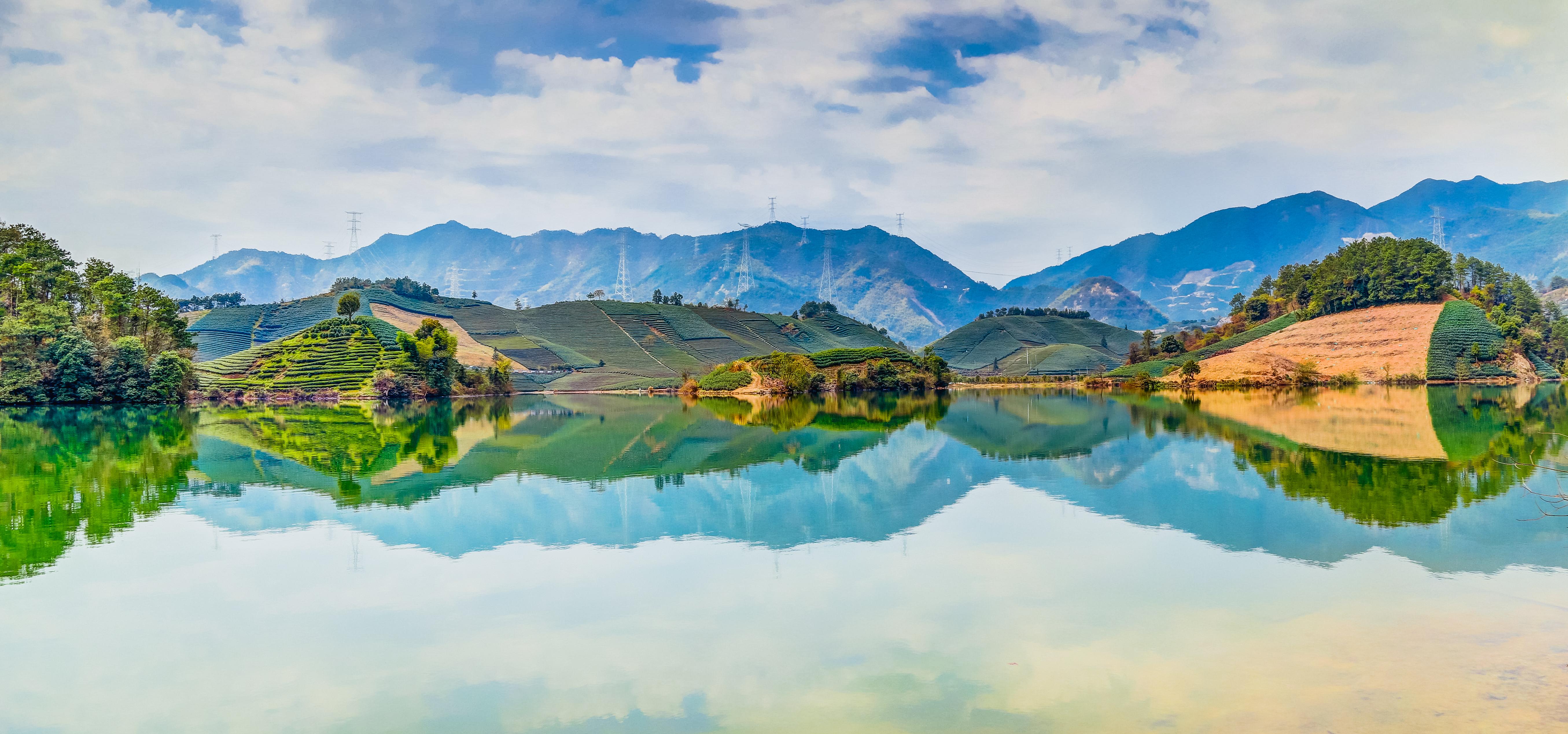 Shi'e Lake