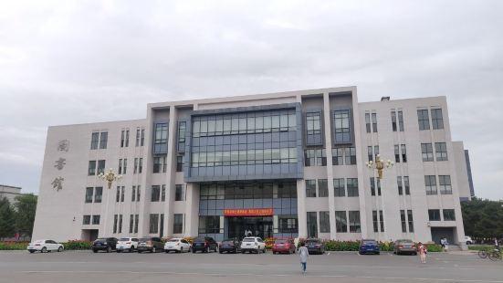 吉林大學和平校區圖書館