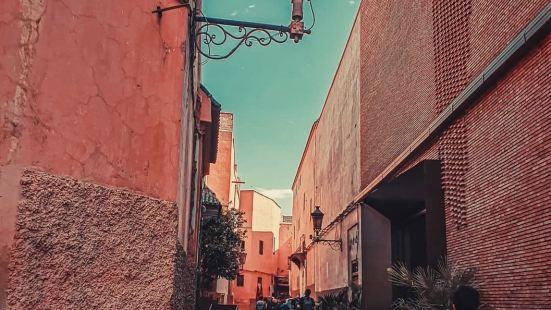 已有900多年历史的马拉喀什別名红色城堡是摩洛哥首屈一指的旅