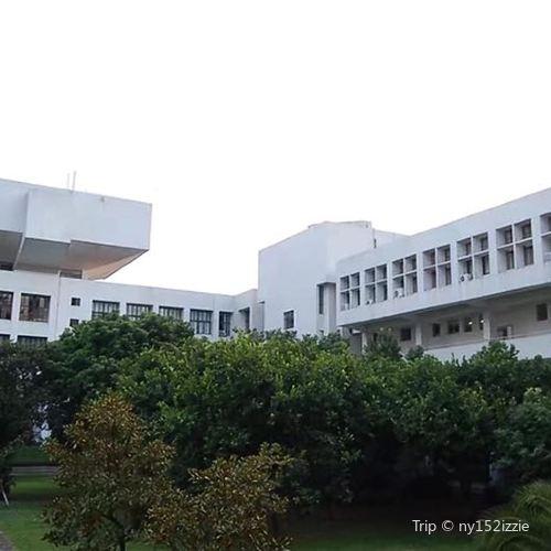 산터우 대학