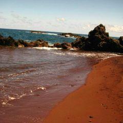Red Sand Beach (Kaihalulu Beach) User Photo