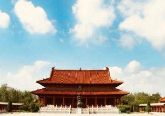 天静宫位于安徽省亳州市涡阳县的涡北街道郑店村,纪念中国先秦伟