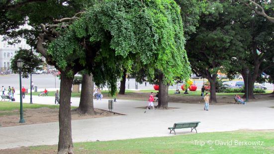 Plaza Monseñor Miguel de Andrea