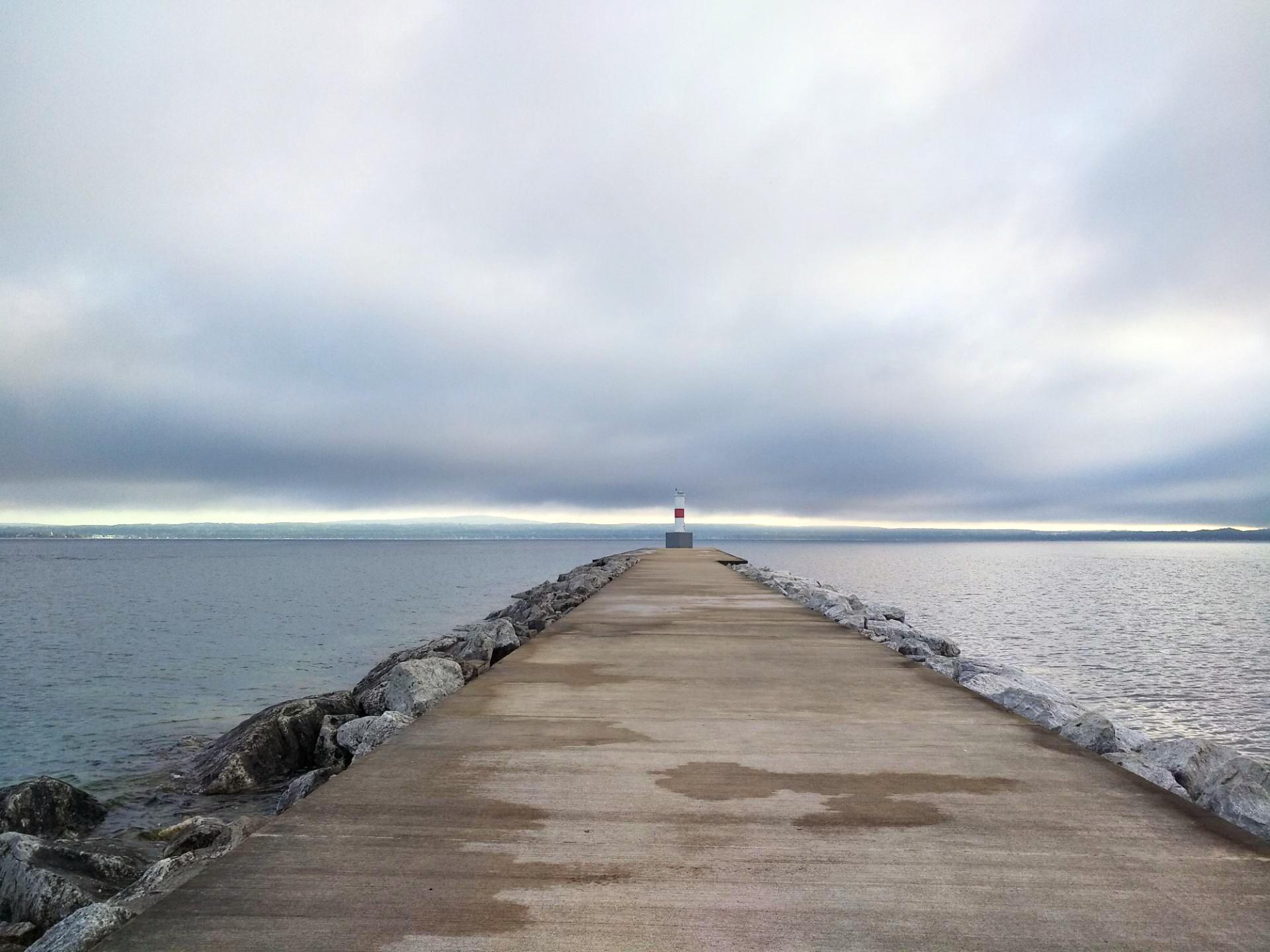 Frankfort North Breakwater lighthouse