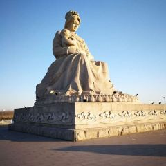 Luanhe Mother Square User Photo