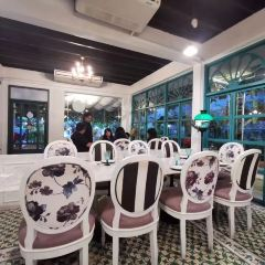 One Chun Cafe and Restaurant User Photo