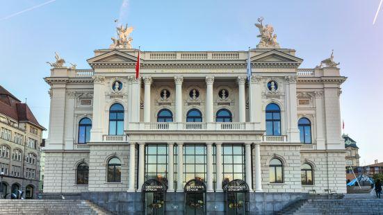 蘇黎世歌劇院