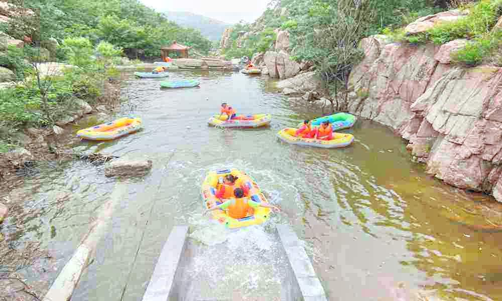 Rafting at Lianqing Mountain