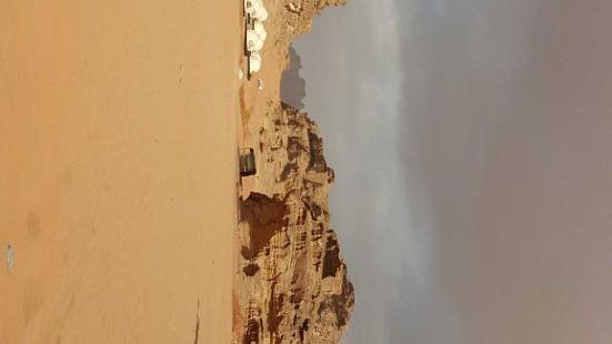 【月亮峽谷】位於約旦西南部的瓦迪拉姆保護區,因這裏的環境面貌