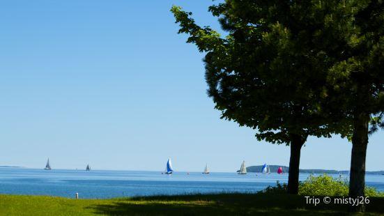 Greilickville Harbor Park