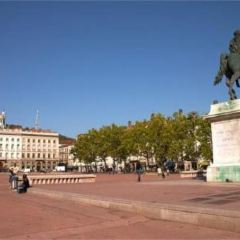 路易普拉德爾廣場用戶圖片