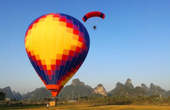 桂林燕莎熱氣球滑翔傘飛行體驗