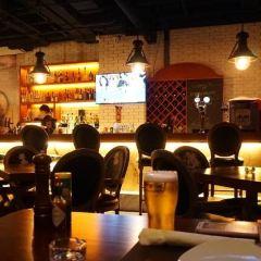 Black Bar & Grill User Photo