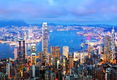 香港,沉醉在摩天高樓,也流連於市井街市