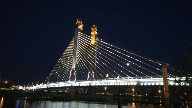 哈薩爾大橋