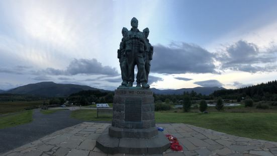 突擊隊紀念碑
