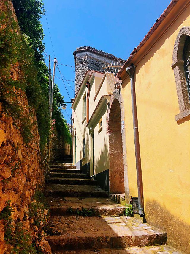 拉韋洛小鎮