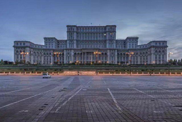 布加勒斯特議會宮