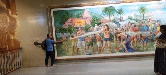 Art in Paradise