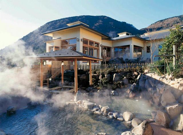 Top 10 Hot Springs in Japan