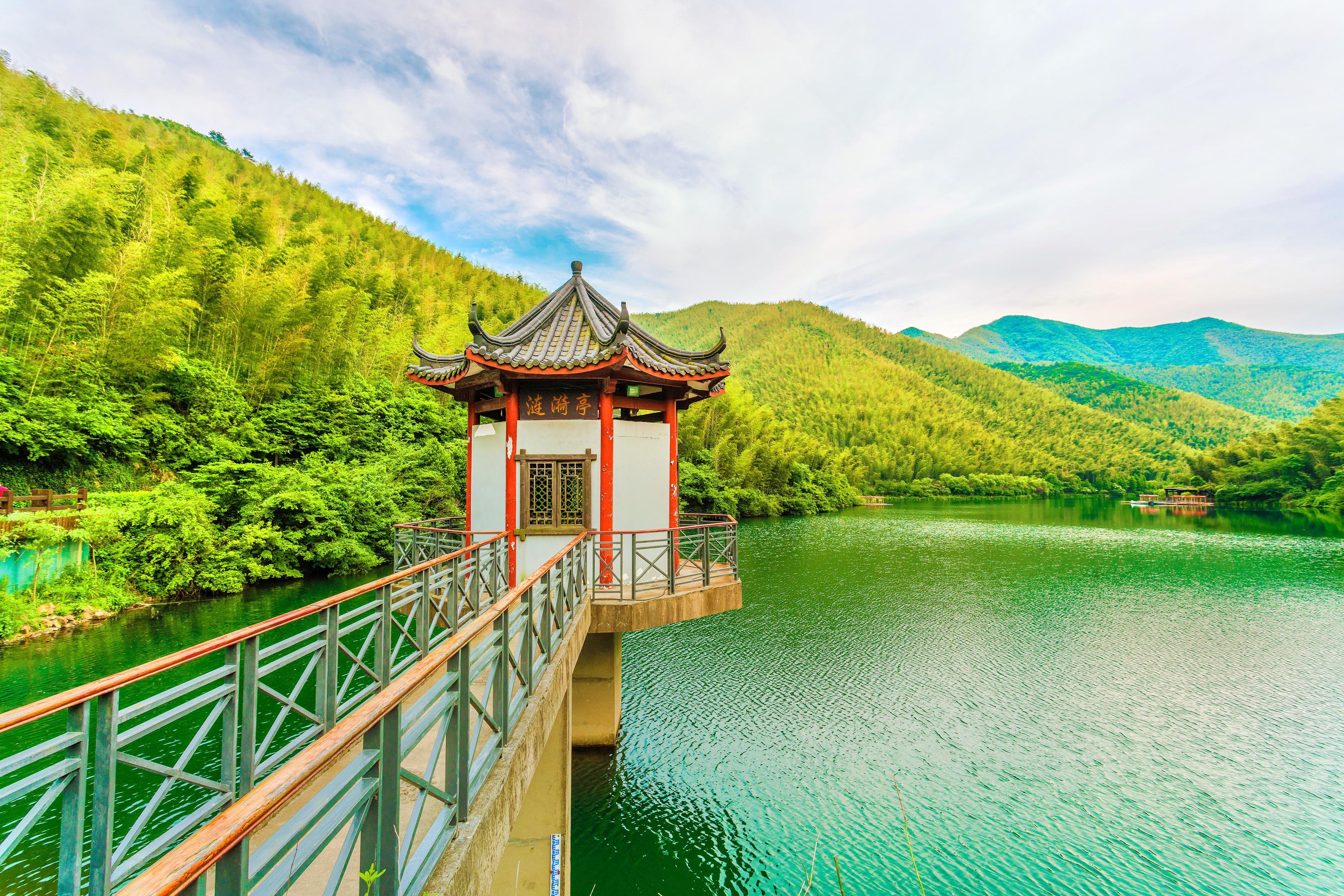 Jinghu Lake