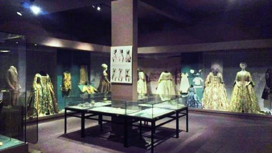 Museum of Costume and Lace