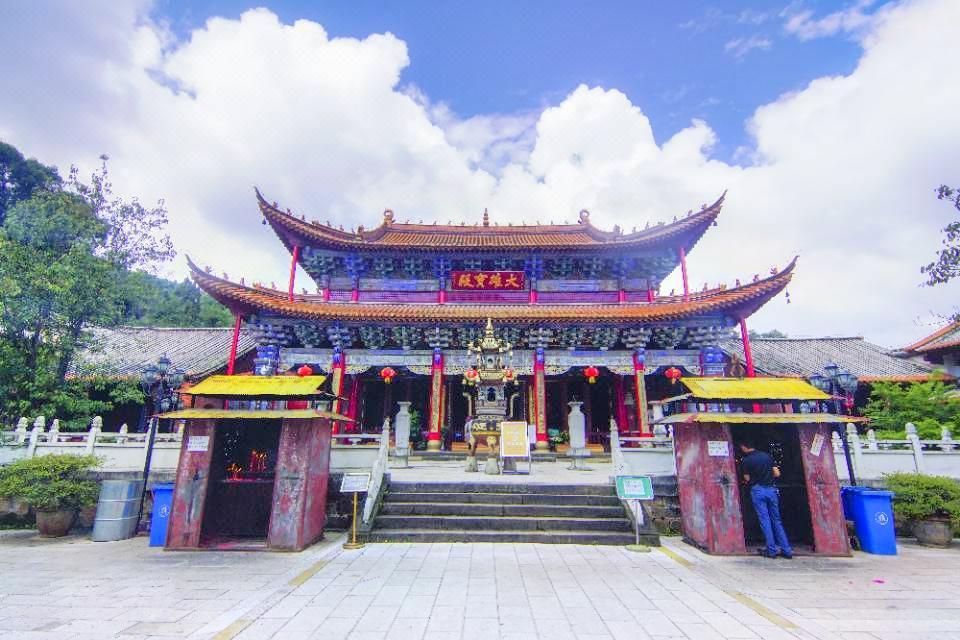 Bamboo Temple (Qiongzhu Si)