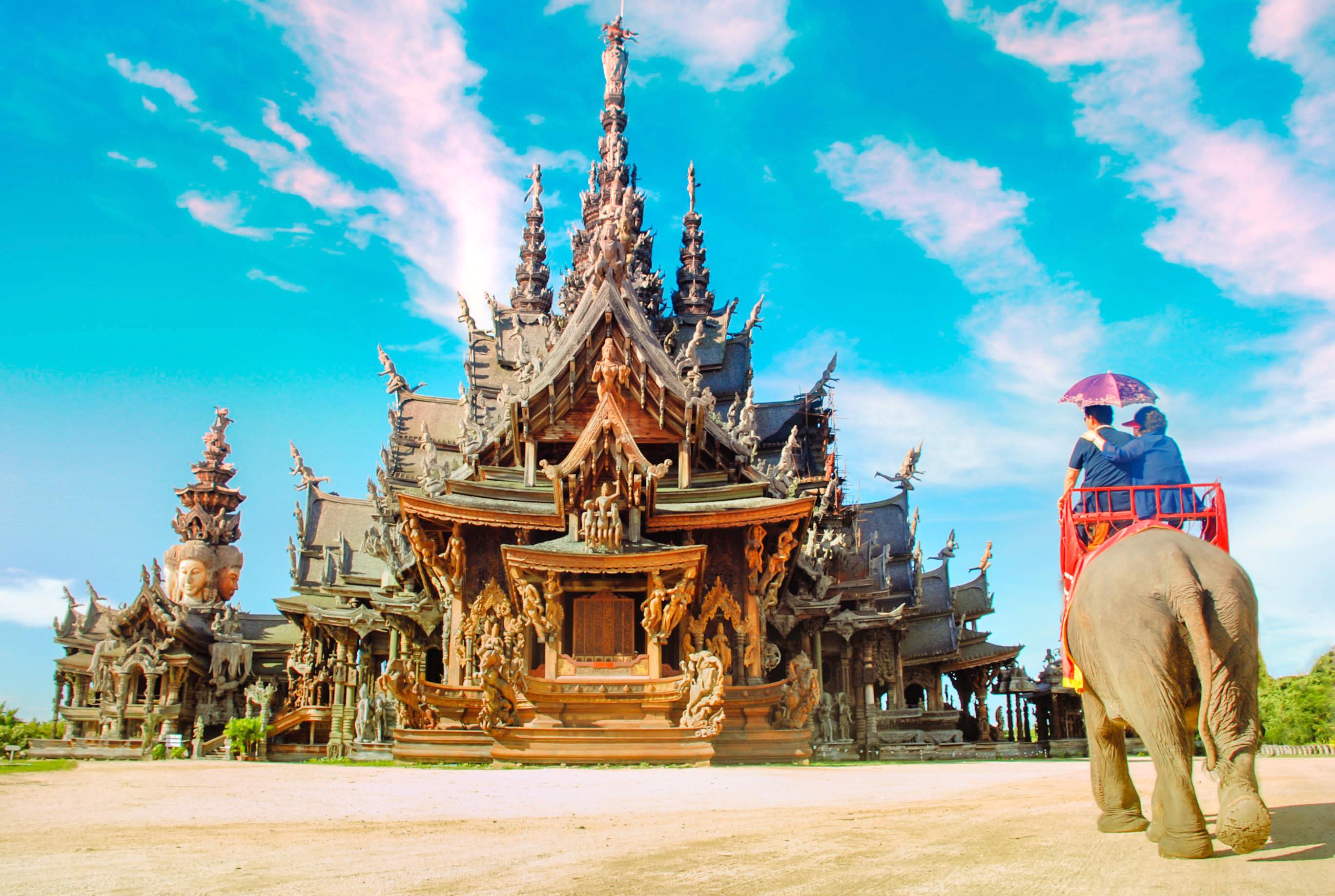 ทัวร์ครึ่งวันปราสาทสัจธรรม พัทยา ประเทศไทย