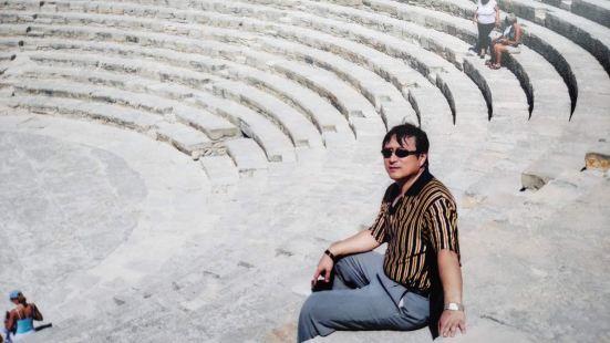 库里翁露天剧场位于塞浦路斯利马索尔沿海地区,始建于公元前二世