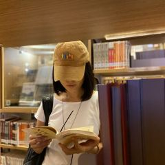 高雄市立圖書館總館用戶圖片