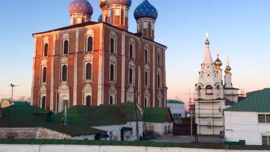 梁贊克裡姆林聖母升天大教堂