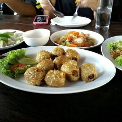 Mum Aroi Seafood Restaurant User Photo